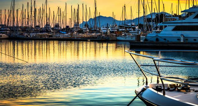 Mit dem Boot am Mittelmeer