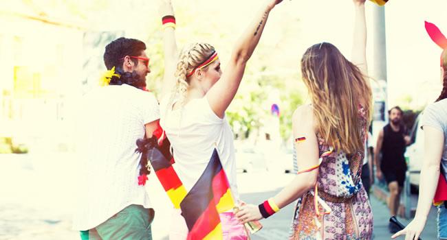 Mit dem Fanguide für deutsche Fans kann die EM 2016 in Frankreich kommen: Der Leitfaden enthält wissenswerte Informationen rund um das Gastgeberland, die Spielorte, das Turnier und die Fanbetreuung. Bild: pixabay.com © Prawny (CC0)