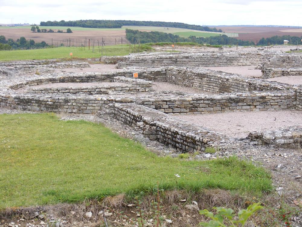 Zahlreiche altertümliche Wohnhäusern wurden bei einer Ausgrabung in Alesia im Burgund gefunden. Das ist nicht untypisch für Frankreich.