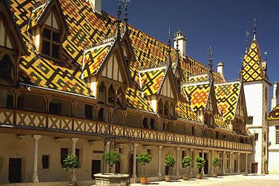 Die Stadt Beaune in der Region Burgund in Frankreich, ist das Zentrum des Weinbaugebietes der Côte-d'Or.