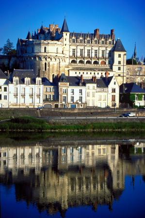 Châteaux de la Loire. Über 400 Schlossanlagen stehen entlang der Loire in den französischen Regionen Pays de la Loire, Centre und Burgund