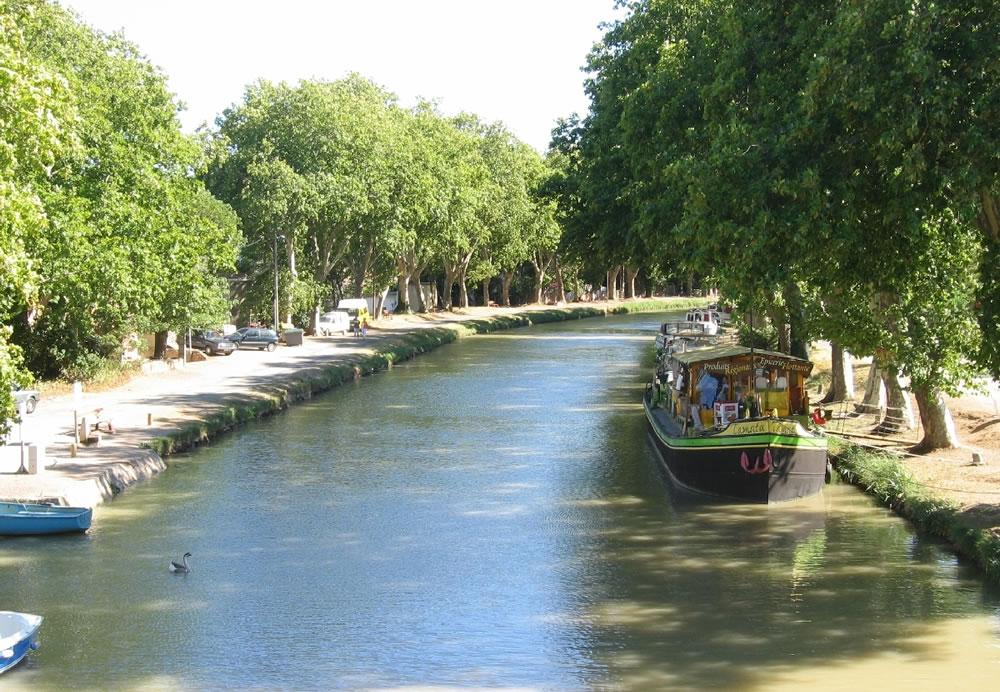 Auf dem Weg von Toulouse bis zum Mittelmeer durchläuft der Canal du Midi eine Vielzahl von Schleusen