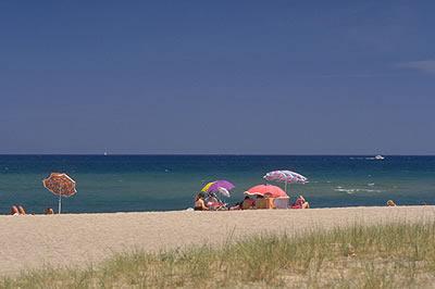In Südfrankreich findet man Sonne und gutes Wetter satt, am Badestrand in Südfrankreich kann man sich schnell einen Sonnenbrand holen.