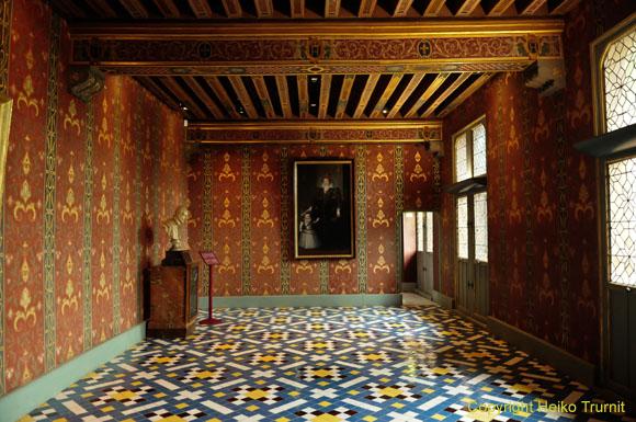 Einblick in das Schloss von Blois. Das Königsschloss von Blois bietet einen Überblick über die Kunst und die Geschichte der Loireschlösser.