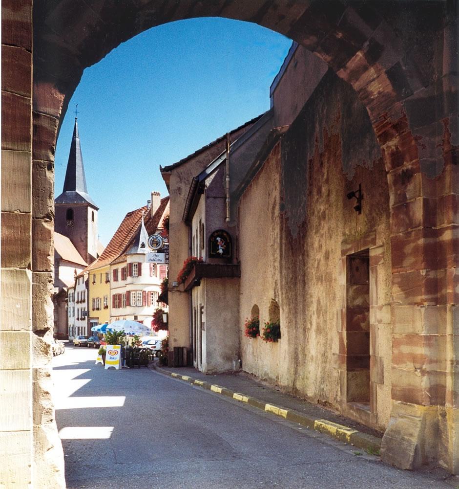 Fénétrange eine kleine französische Gemeinde in Lothringen im Département Moselle mit noch bestehenden mittelalterlichen Befestigungen