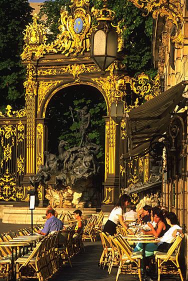 Die französische Stadt Nancy in Lothringen. Entdecken Sie die Restaurants der Stadtregion und einheimische Produkte.
