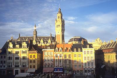 Der Place du Général de Gaulle in Lille Frankreich. Die Stadt Lille hat einen sehr hohen Bevölkerungsanteil an Studenten.