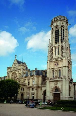 Die Pfarrkirche ist eine bedeutende Kirche in Paris. St-Germain-l'Auxerrois ist kein einheitlicher Bau, sondern stammt aus verschiedenen Epochen