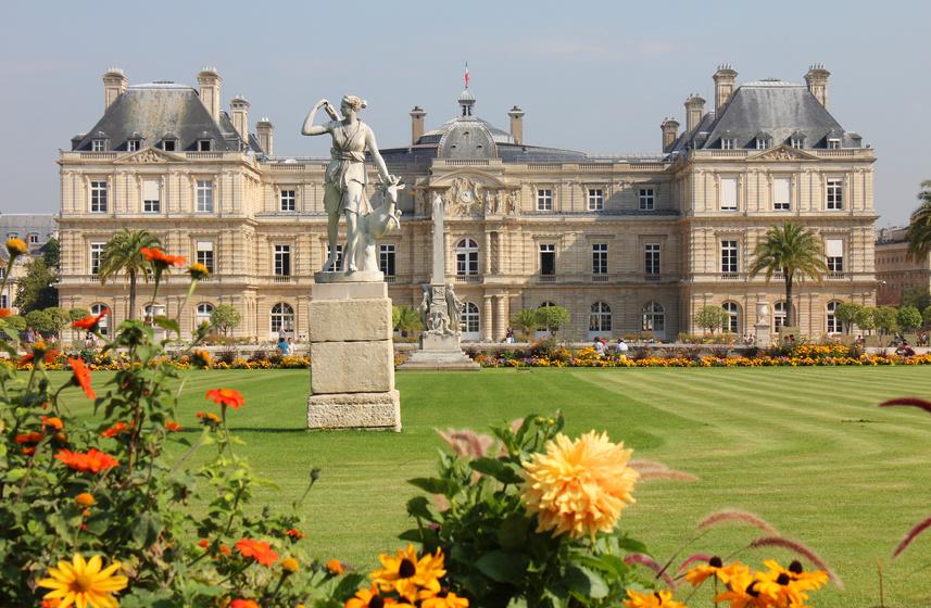 Der Jardin du Luxembourg ist eine bekannte Parkanlage in Paris. Die 26 Hektar große Anlage liegt im traditionellen Studentenviertel Quartier Latin