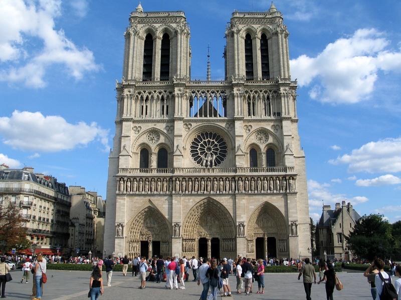Der Notre-Dame in Paris, Sitz des Erzbistums Paris, wurde zwischen 1163 und 1345 errichtet, es ist eines der ältesten gotischen Gebäude in Frankreich.