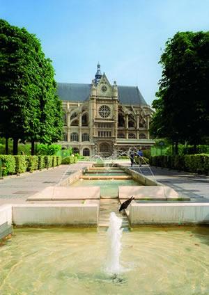 Die Pfarrkirche Saint-Eustache ist die größte Renaissancekirche in Frankreich und eine der bedeutendsten Pariser Kirchen des 16. Jahrhunderts