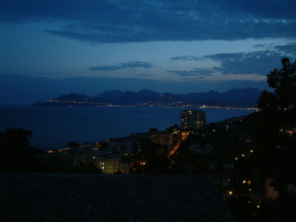Eine der schönsten Gegenden an der gesamten Côte d'Azur ist mitunter das Massif de l'Estérel. Das Massif de l'Estérel ragt hier bis ins Meer hinein