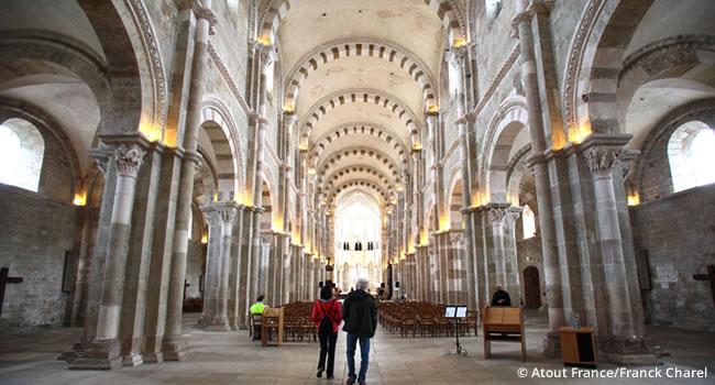 Die Schlösser und Klöster im Burgund