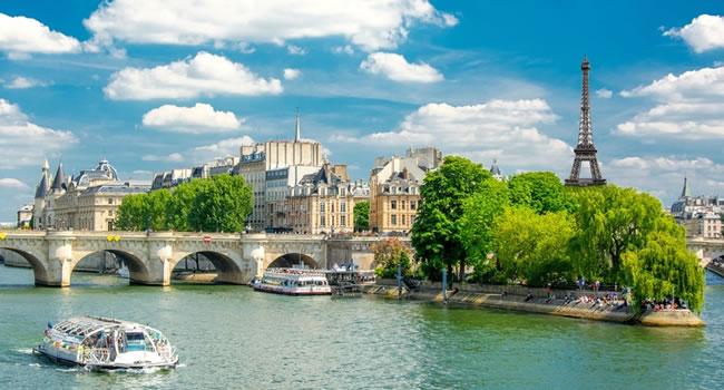 Paris Bootsfahrt auf der Seine mit dem Batobus