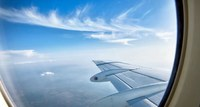 Bequem im Flugzeug in der First Class Reisen